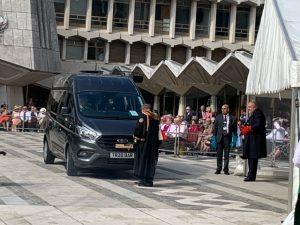 Treloars minibus at the cart marking ceremony
